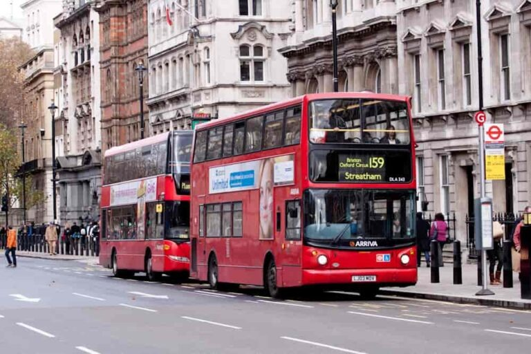 Londyn - piętrowy autobus
