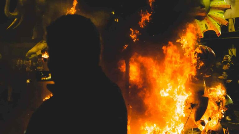 Las Fallas, święto ognia i obłędu